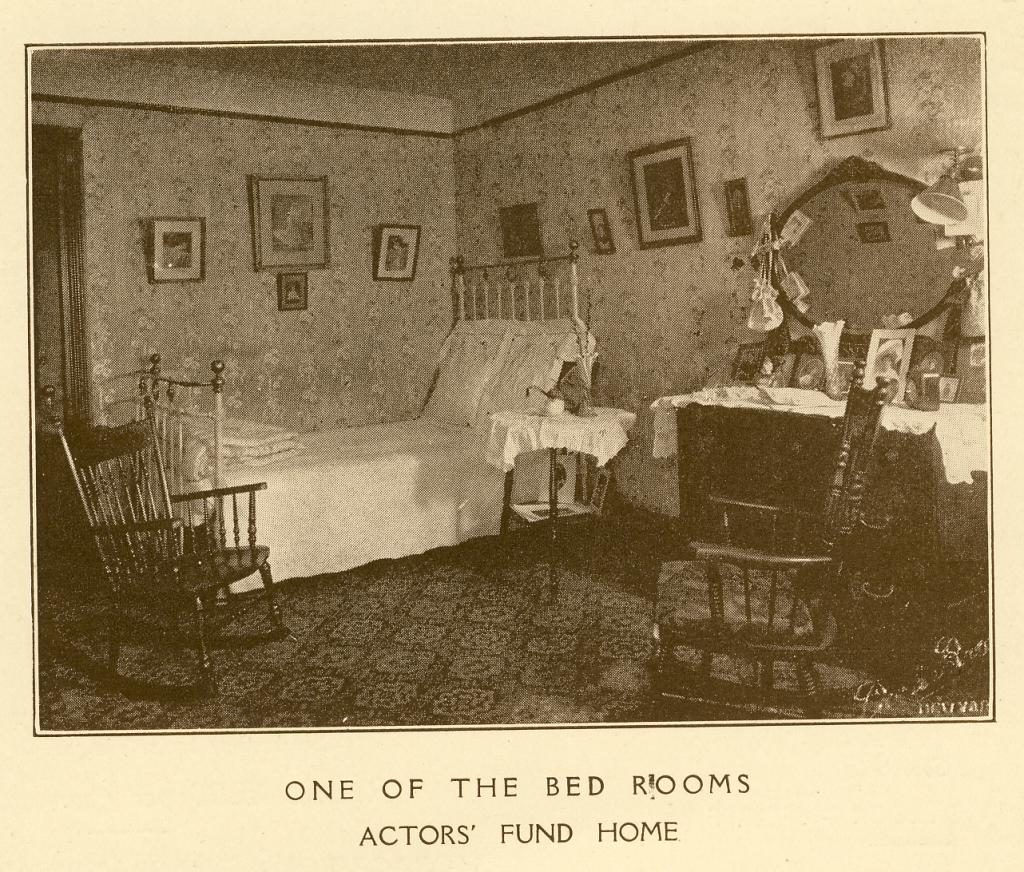 A bedroom at The Actors Fund Home, Staten Island, c. 1917. | Photo by The Actors Fund