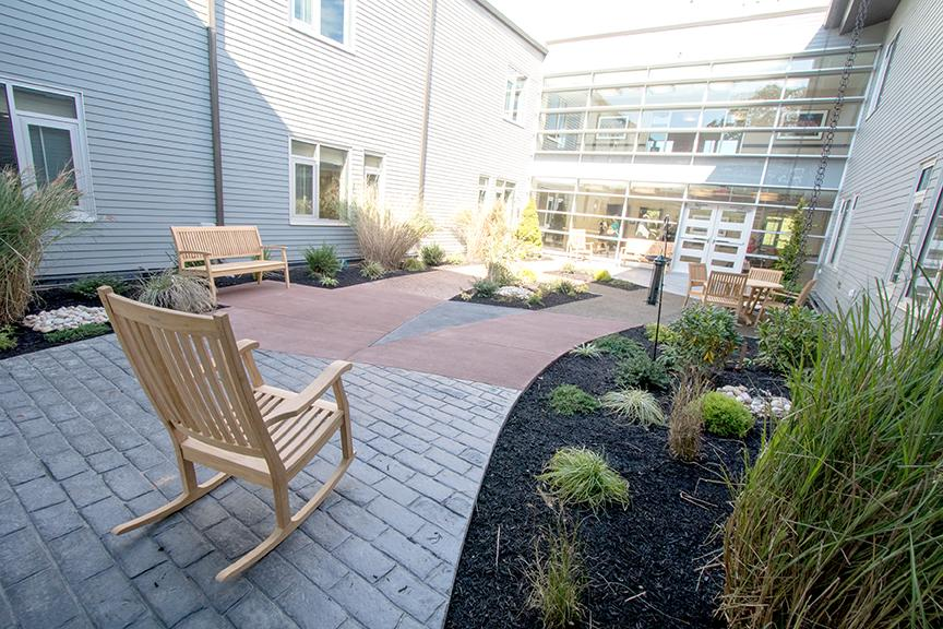 Accessible gardens provide places for outdoor reading, respite and exercise. | Photo by Don Pearse Photographers, Inc.